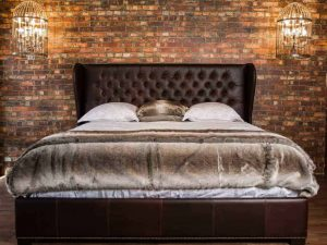 king Arthur leather bed