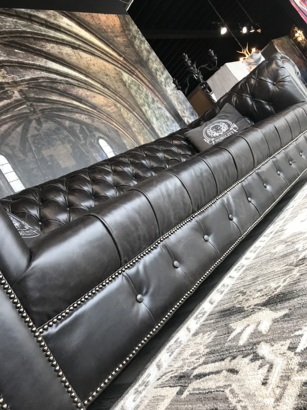 royatly tufted leather sofas